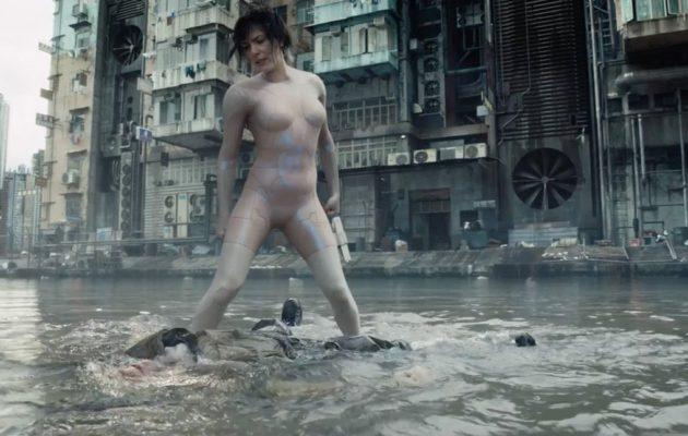 Scarlett Johanssonin tossu nousee Ghost in the Shell -elokuvan kohtausnäytteessä