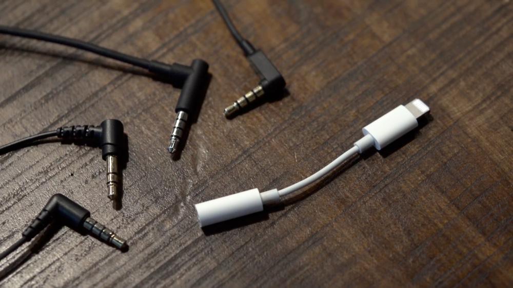iPhone-kuulokeadapteri