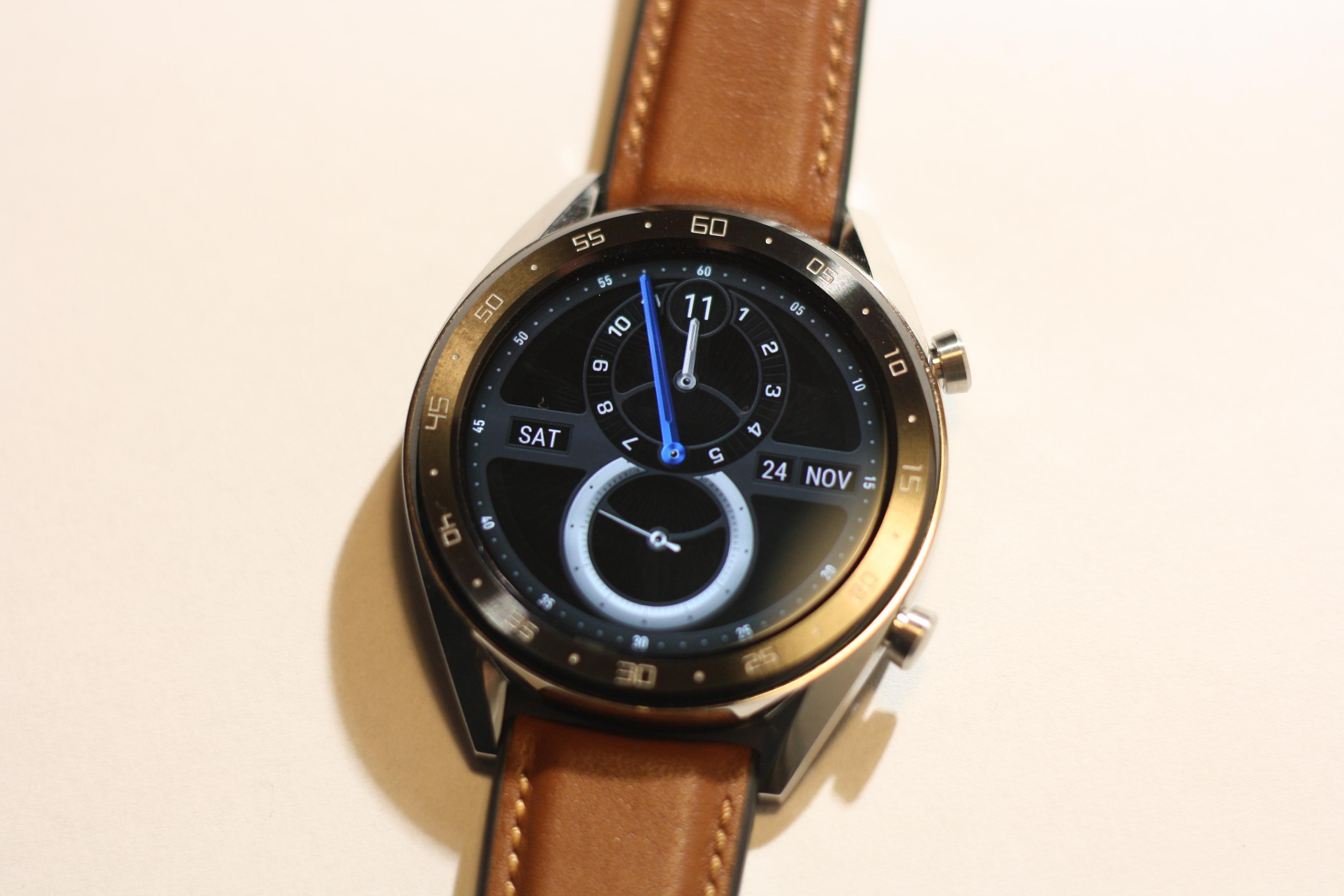 Kokeilu Huawei Watch Gt Classic Liikkuu Nayttavasti Alykellon Ja