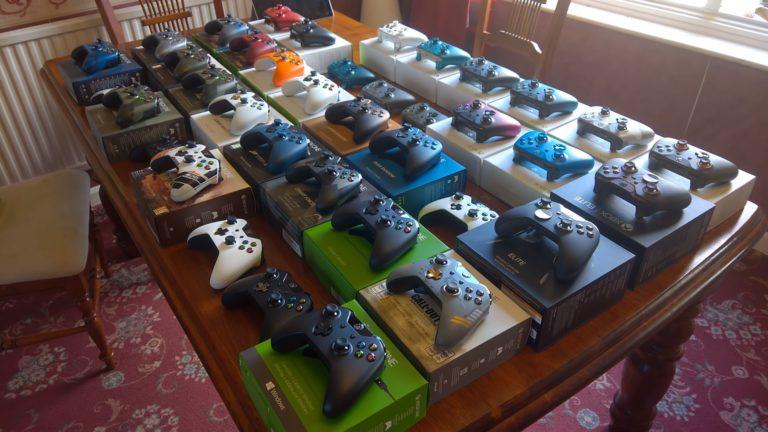 Xbox-ohjaimia