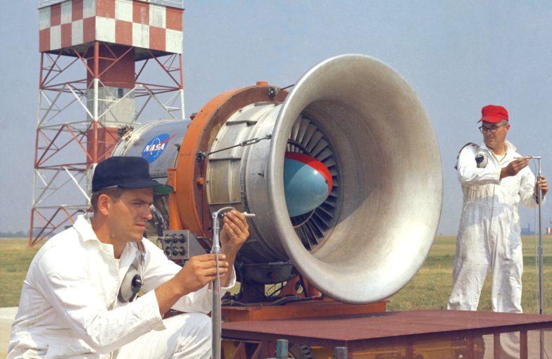 X570 fan noise