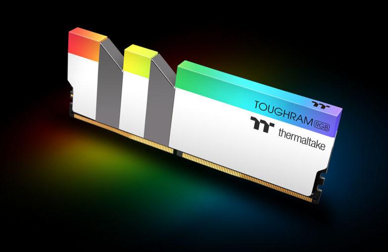 Thermaltake Toughram RBG White Edition DDR4