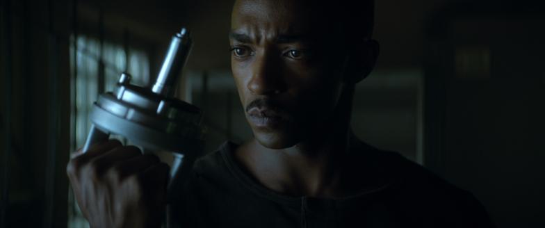 Traileri | Anthony Mackien tähdittämä Outside the Wire ...